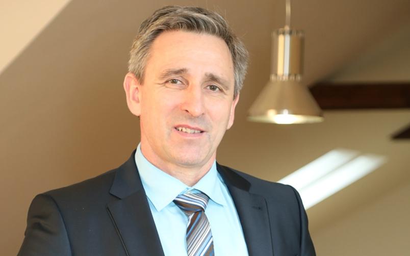 Mike Arnold (Geschäftsführer), DIZ Immobilienmanagement GmbH